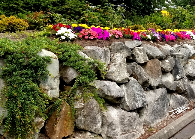 Read more: We Build Rock Retaining Walls for Residential and Commercial Projects